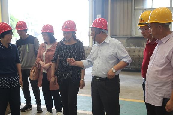 热烈欢迎省机械行业协会和武汉市洪山区科经局领导莅临我公司参观指导